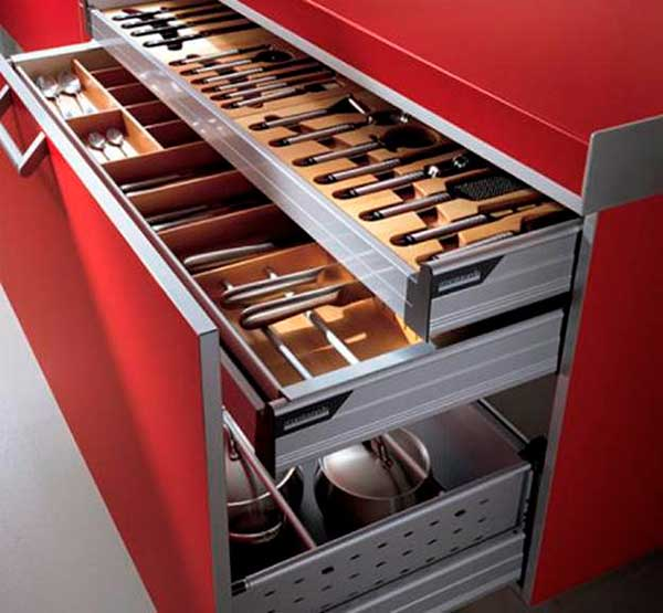 Compartmentalization-Pull-Out-Cabinet