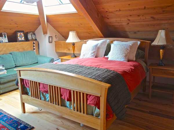 Country-Style-Bedroom-Sets-With-Mattress
