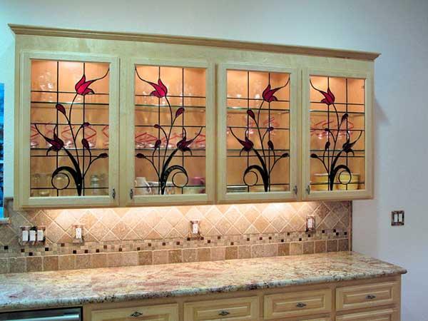 Glassy Kitchen Cabinet Design