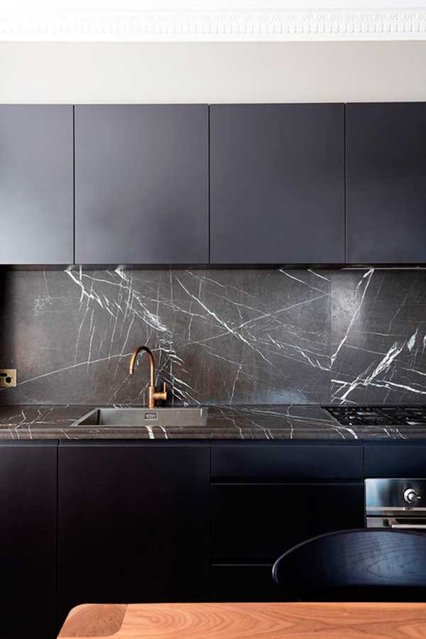 Stylish-Black-Kitchen-Cabinet