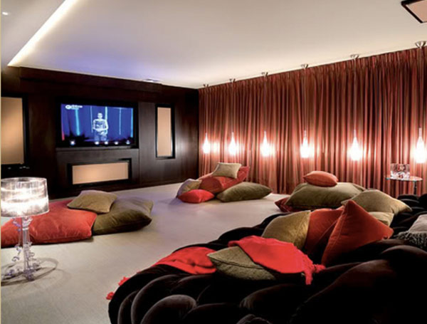 Stylish-Throw-Pillows-For-Home-Theatre